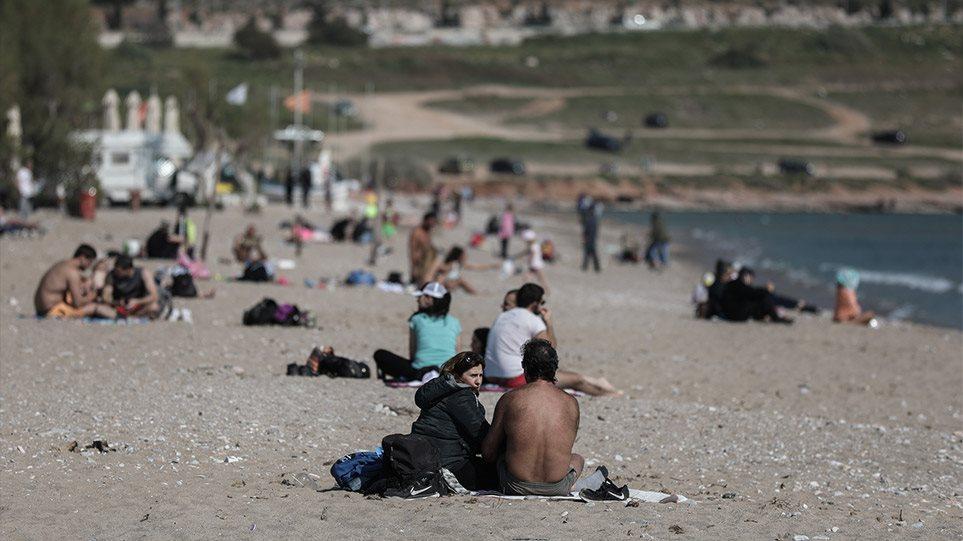 Κορωνοϊός: Ανευθυνότητα χωρίς τέλος! Γέμισαν πάλι τις παραλίες της Αττικής Mάρτιο μήνα! Μέχρι και ρακέτες έπαιζαν! – Κοσμοσυρροή λες και είναι Μάιος και στη Χαλκιδική! ΕΛΕΟΣ!!! (ΦΩΤΟ)
