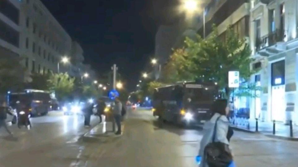 Κλειστή η Πατησίων: Πορεία αντιεξουσιαστών προς την ΑΣΟΕΕ