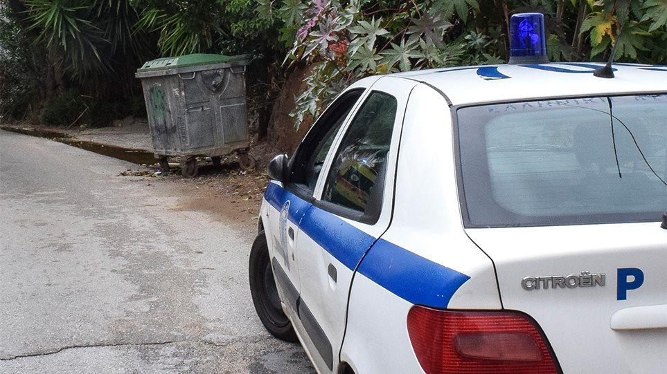 Φρίκη στα Πετράλωνα: «Σκότωσα τον νονό μου και τον πέταξα στα σκουπίδια»
