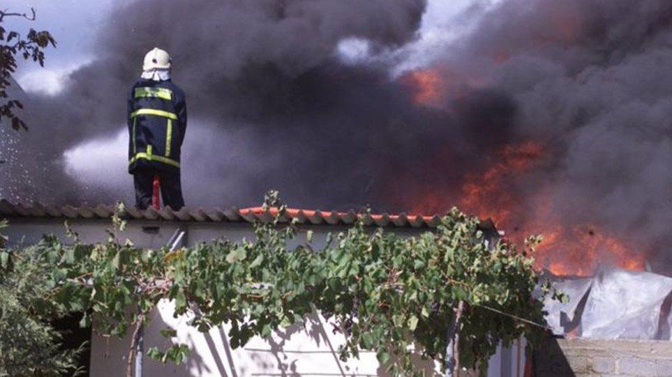 Μεγάλη φωτιά στην Κάρυστο και την Κνωσό – Ενισχύονται οι δυνάμεις, απειλούνται σπίτια!