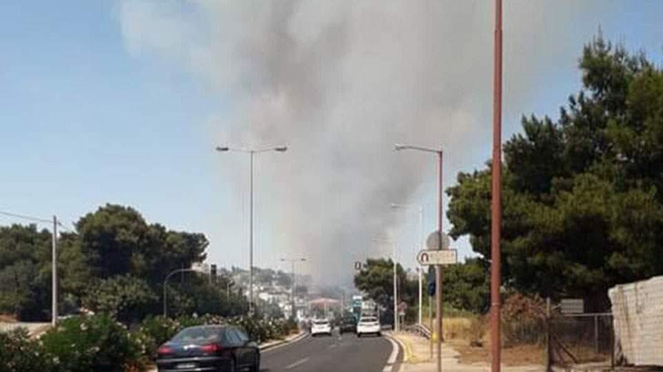 Φωτιά στη Ραφήνα – Συναγερμός στην Πυροσβεστική