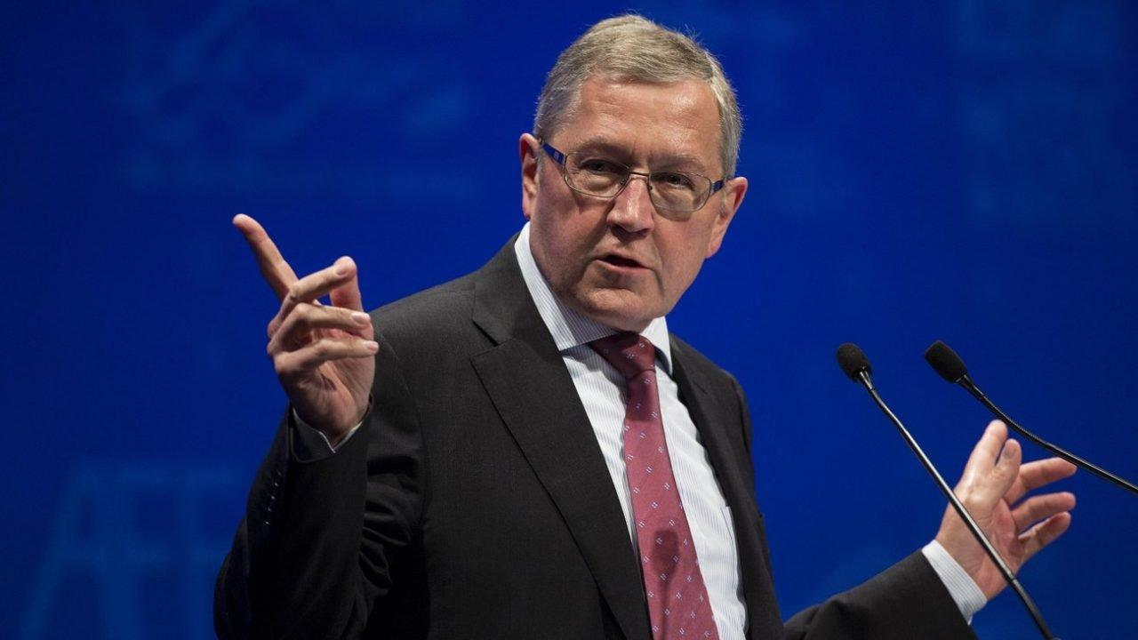 Ρέγκλινγκ: Η Ελλάδα μπορεί να εξοικονομήσει 800 εκατ. αν χρησιμοποιήσει την πιστωτική γραμμή του ESM!