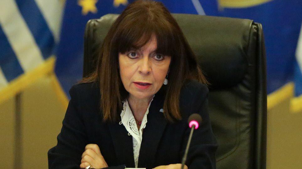 Διάγγελμα Σακελλαροπούλου: Για να πετύχει η εθνική προσπάθεια, το «εμείς» πρέπει να μπει πριν από το «εγώ»!