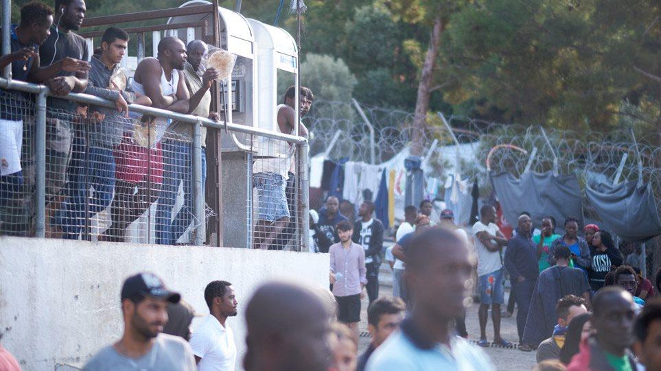 Σάμος: Αύριο το πρωί φτάνουν στον Πειραιά οι 700 αιτούντες άσυλο!