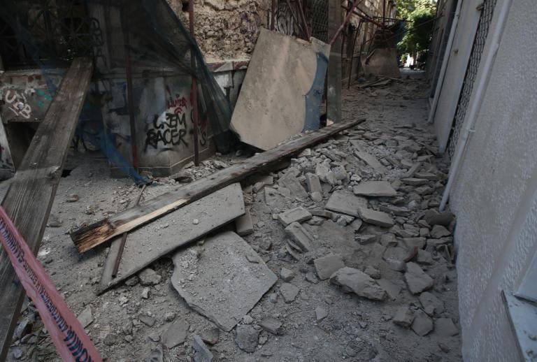"""Σεισμός στην Αθήνα: Ο Εγκέλαδος «θυμήθηκε» την Αττική 20 χρόνια μετά! """"Η θα εκτονωθεί η κατάσταση η θα υπάρξει μεγαλύτερος σεισμός!"""" – ΤΡΟΜΟΣ και ΠΑΝΙΚΟΣ από τις μνήμες 1999! (φωτο)"""