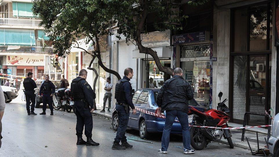 Βίντεο – ντοκουμέντο: Πυροβολισμοί μέρα μεσημέρι στην Αγίου Μελετίου στα Σεπόλια!