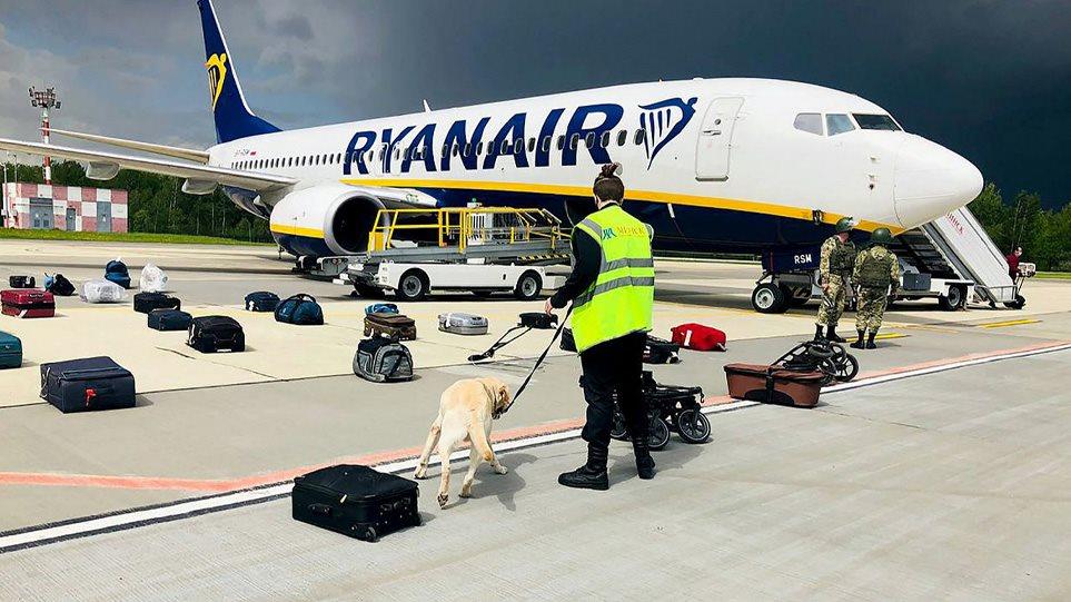 Λευκορωσία: Ένας Έλληνας μεταξύ των τριών επιβατών της Ryanair που κατέβηκαν στο Μινσκ – Ο ρόλος των πρακτόρων της KGB