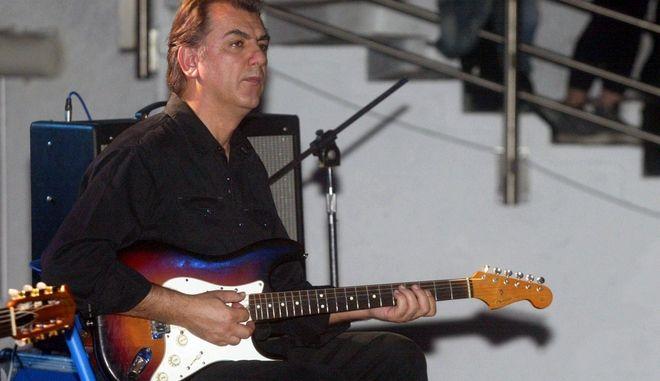 Γιάννης Σπάθας: Πέθανε ο κιθαρίστας και συνθέτης, ιδρυτικό μέλος των Socrates