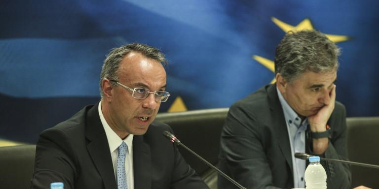 Σταϊκούρας κατά Τσακαλώτου: «Αντί να ζητήσετε συγγνώμη για τα capital controls, ζητάτε και τα ρέστα»