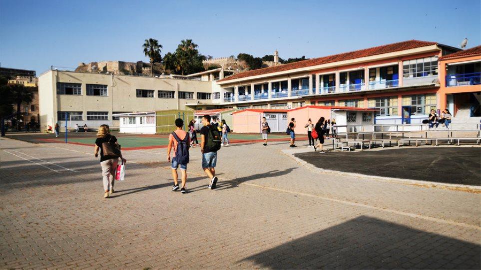 Πέτσας: Στις 7 Σεπτεμβρίου ανοίγουν τα σχολεία