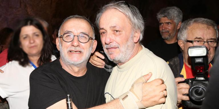 Θάνος Μικρούτσικος: Το συγκινητικό αντίο του αδελφού του, Ανδρέα -«Μια στιγμή η ζωή μας και συ την έκανες αιωνιότητα» (ΦΩΤΟ)