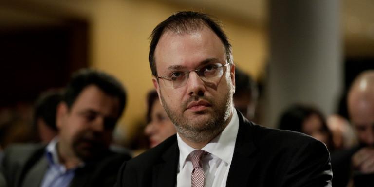 ΔΕΝ ΞΑΝΑΓΙΝΕ! Ο μετακλητός (πρώην υπουργός) Θεοχαρόπουλος καταγγέλλει την κυβέρνηση για αύξηση μετακλητών! (ΦΩΤΟ)