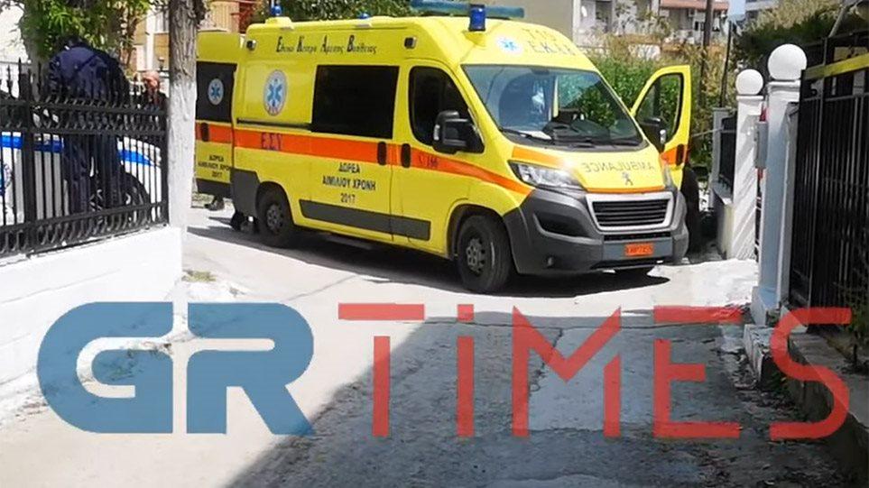 Δολοφονία ΣΟΚ στη Θεσσαλονίκη: Πατέρας πυροβόλησε τον 25χρονο γιο του ΕΞΙ ΦΟΡΕΣ και τον σκότωσε! (ΒΙΝΤΕΟ)