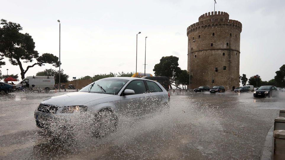 Επικίνδυνα καιρικά φαινόμενα: Έρχονται πολύ μεγάλα ύψη βροχής σε Θεσσαλονίκη και Χαλκιδική