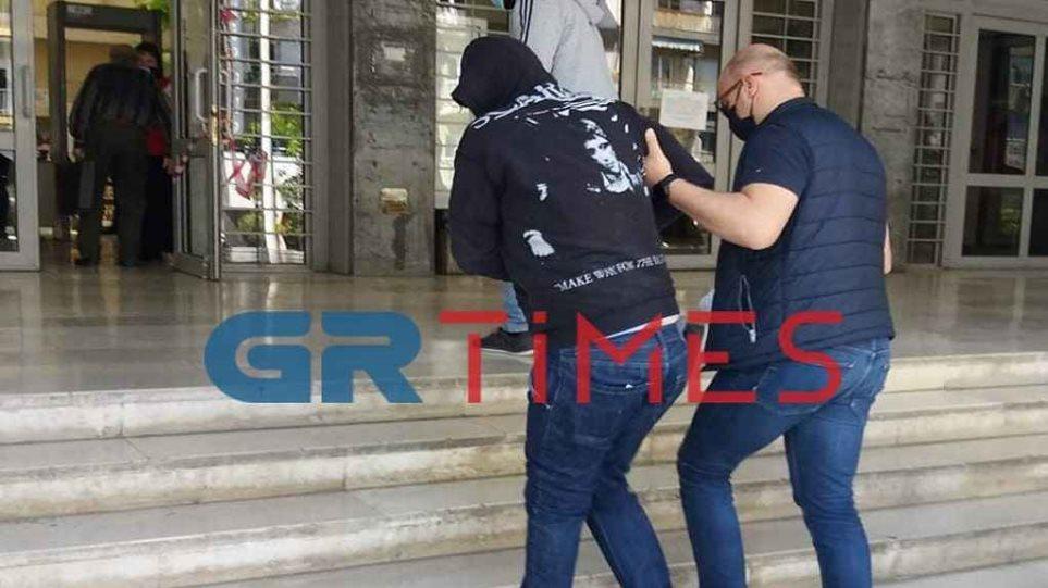 Θεσσαλονίκη: Τεμάχισε τη φίλη του με κοπίδι αλλά αρνείται ότι τη σκότωσε!