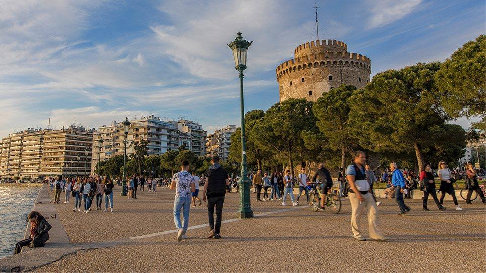 Κορωνοϊός: Ανατροπή για το take away σε Θεσσαλονίκη – Σέρρες με παρέμβαση Τζιτζικώστα