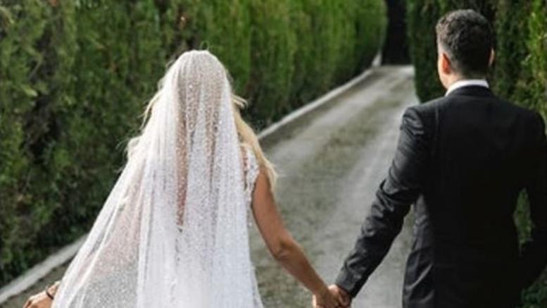 Αλά Γουίντεϊ Χιούστον η Έλενα Ράπτη! Παντρεύτηκε κρυφά τον σωματοφύλακά της! ΔΕΙΤΕ ποιος είναι ο γαμπρός! (ΦΩΤΟ)