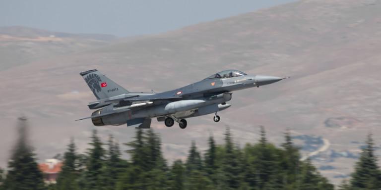 Νέα πρόκληση: Υπερπτήση τουρκικών μαχητικών πάνω από τη νησίδα Καλόγεροι στο κεντρικό Αιγαίο!