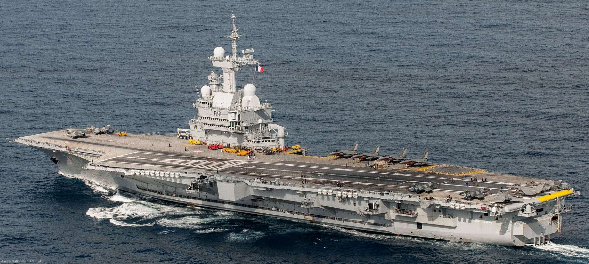 Τουρκικός πανικός για τη συμμαχία Γαλλίας-Ελλάδας: «Στρέφουν το γαλλικό αεροπλανοφόρο εναντίον μας» – «Τους τρόμαξαν οι φρεγάτες στην Αλγερία»