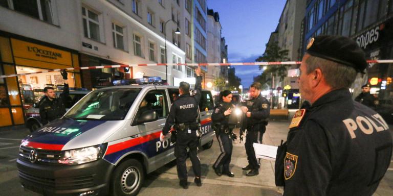 Τρομοκρατική επίθεση στη Βιέννη: Δύο συλλήψεις από τις Αρχές