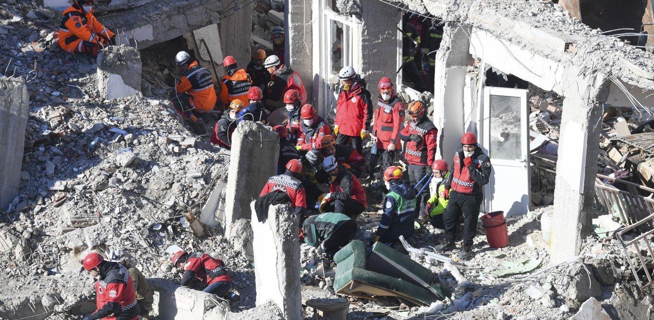 Προειδοποίηση από Τούρκο σεισμολόγο: Ερχονται κι άλλοι σεισμοί σε Ελλάδα, Τουρκία!