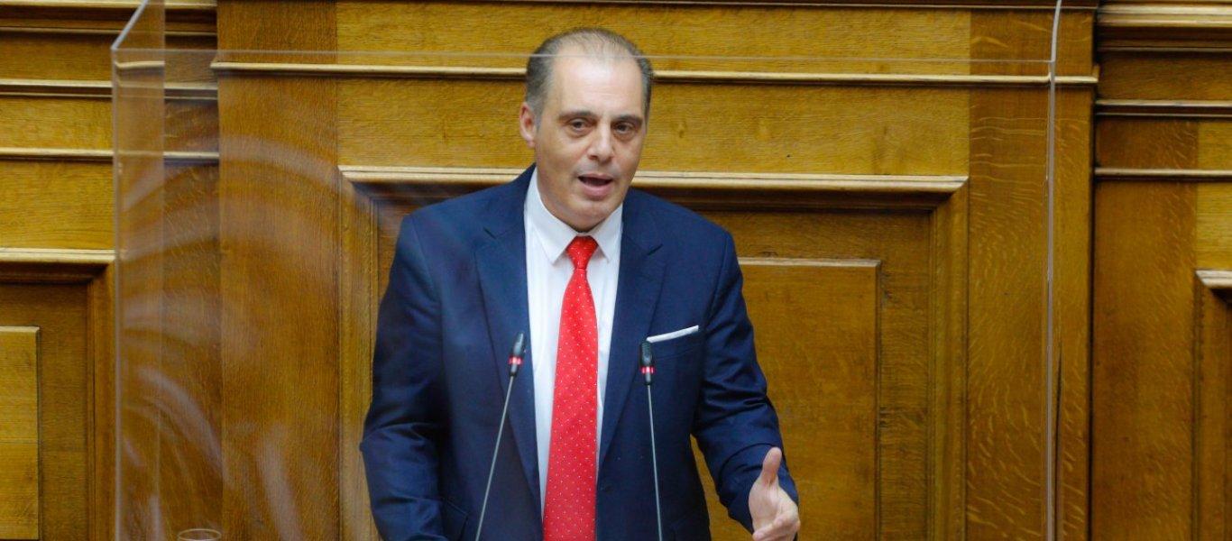 Κ.Βελόπουλος για Μόρια: «Να μεταφερθούν όλοι οι λαθρομετανάστες στη Μακρόνησο και στη Γυάρο – 5η φάλαγγα των Τούρκων» (βιντεο)