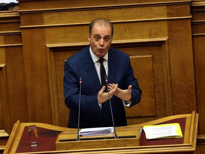 Έξαλλος ο Βελόπουλος στη Βουλή- Συλλάβετε και απελάστε τώρα τους λαθροεμπρηστές! (ΒΙΝΤΕΟ)