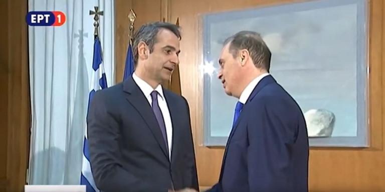 Συνάντηση Βελόπουλου-Μητσοτάκη -Τι μήνυμα έδωσε ο πρόεδρος της Ελληνικής Λύσης! Ο διάλογος για το ΤΣΙΓΑΡΟ! (ΒΙΝΤΕΟ)
