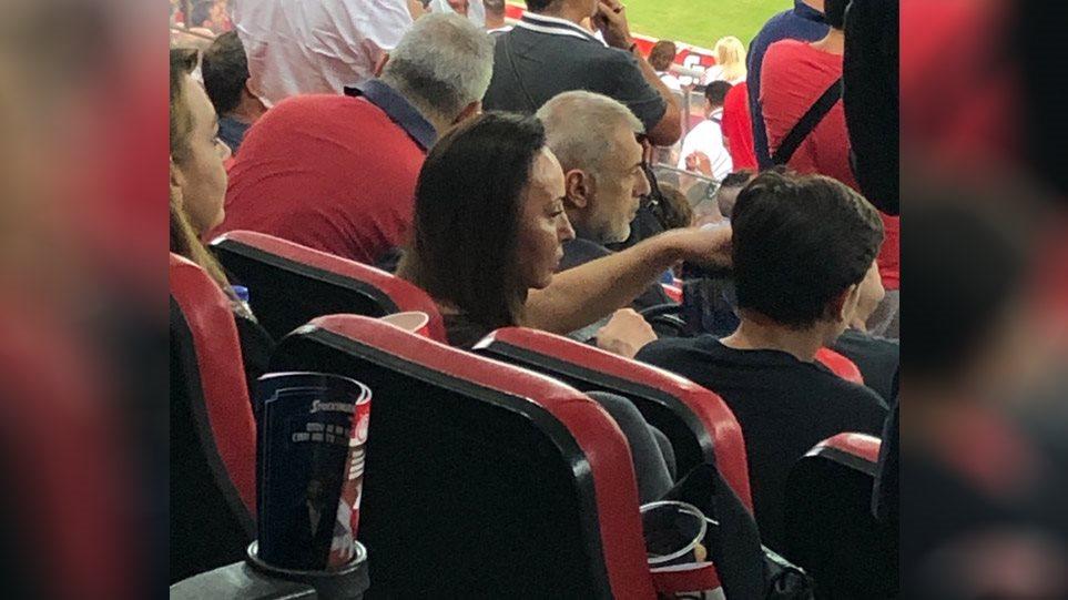 Στα… VIP του «Γεώργιος Καραϊσκάκης» η Βίκυ Σταμάτη! (ΦΩΤΟ)
