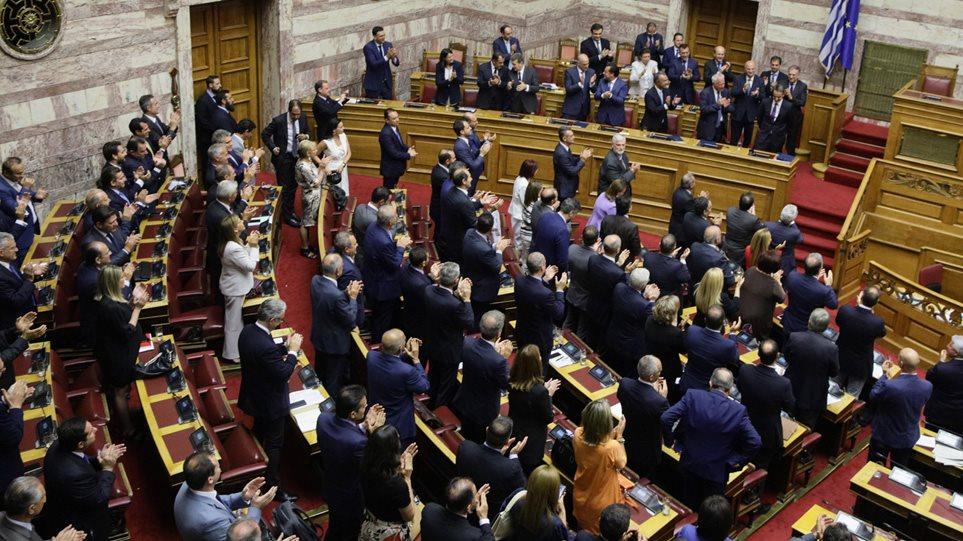 Κατατέθηκε στη Βουλή το νομοσχέδιο για το επιτελικό κράτος – Δείτε τις αλλαγές που φέρνει