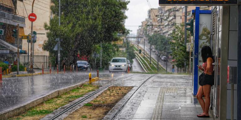 Από καύσωνα… βροχές -Χαλάει ο καιρός με ισχυρές καταιγίδες και χαλάζι!