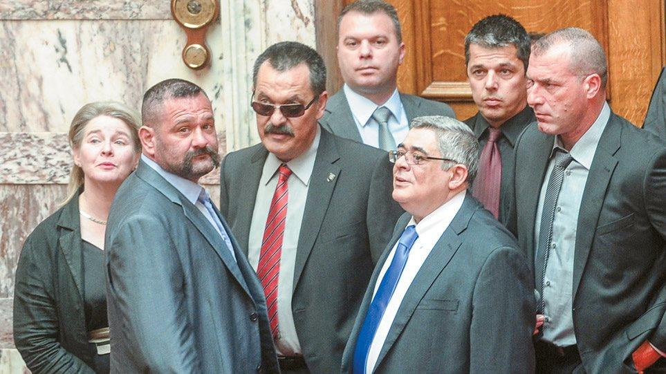 Δίκη Χ.Α: Η ώρα των αναστολών! Ποιοι θα οδηγηθούν στη φυλακή…