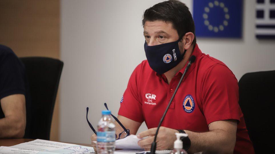 Χαρδαλιάς: Υποχρεωτική η χρήση μάσκας σε εσωτερικούς και εξωτερικούς χώρους όπου υπάρχει συγχρωτισμός! Το μέτρο αφορά ολόκληρη την Ελλάδα!
