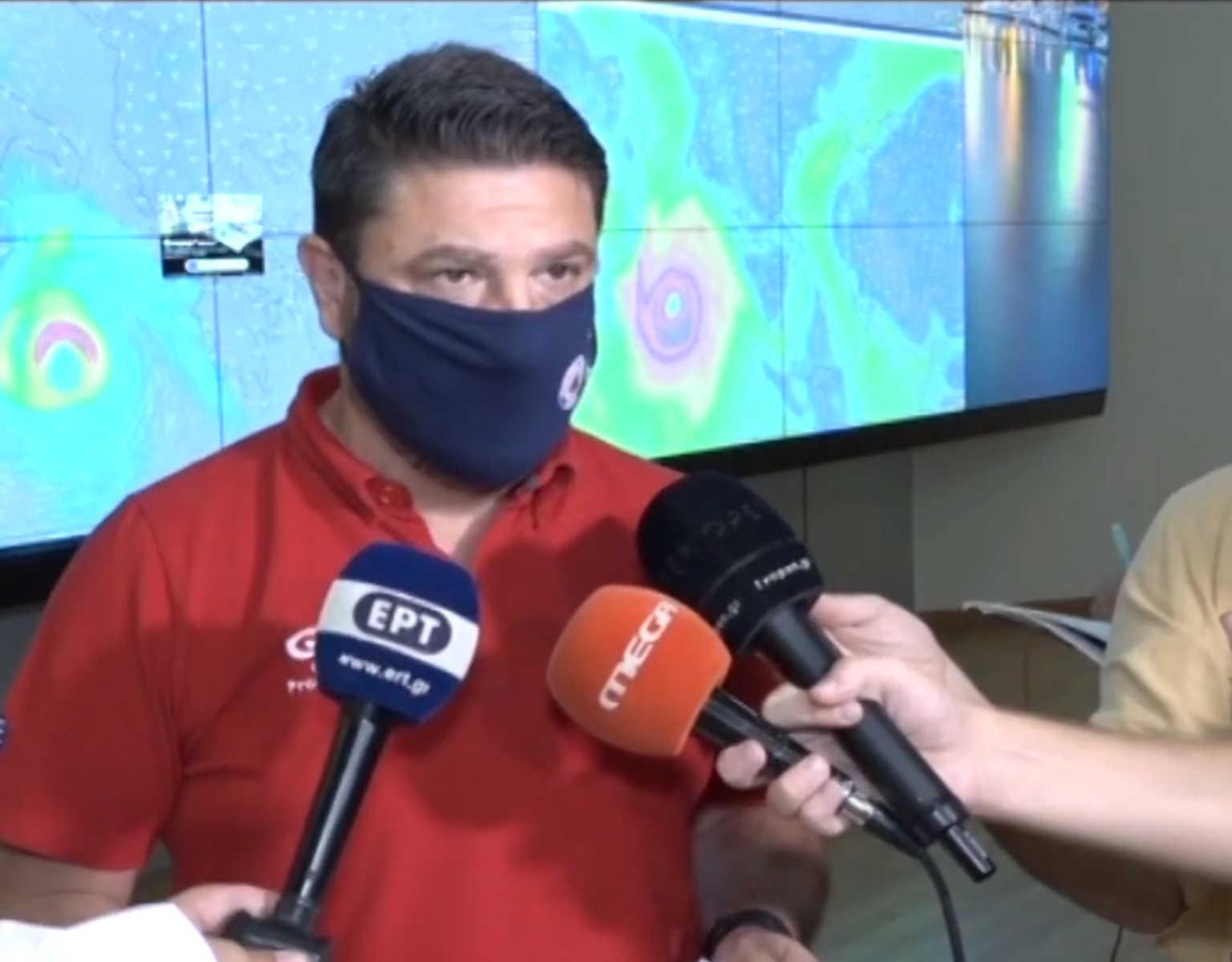 """Καιρός – Ιανός: Σε κατάσταση έκτακτης 8 περιοχές της χώρας – """"Μην μείνετε στα σπίτια σας"""" (BINTEO)"""