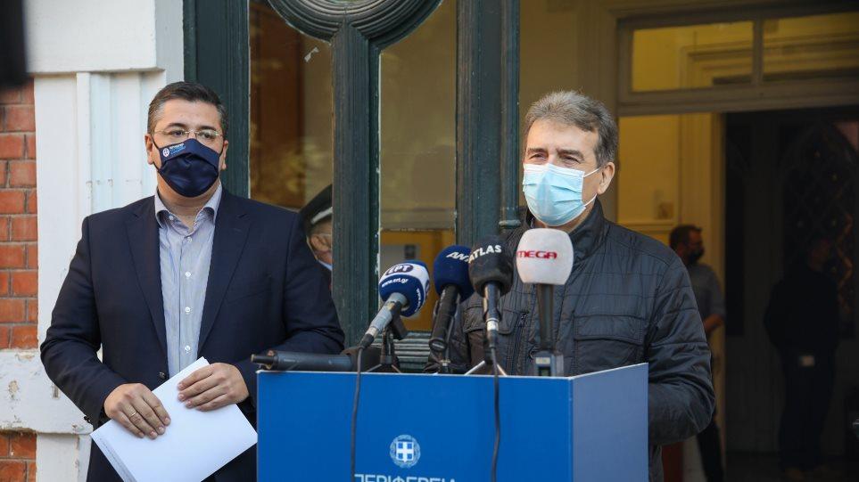 Χρυσοχοΐδης από Θεσσαλονίκη: Να δώσουμε δέκα μέρες καιρό στο σύστημα Υγείας – Η Κατερίνα και ο Αντρέας να γιορτάσουν από το τηλέφωνο